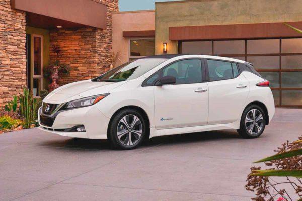 Новый Nissan Leaf получит одну педаль для газа и тормоза